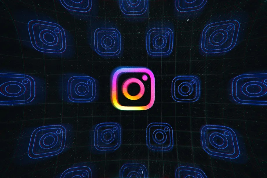 Instagram's head apologizes for bug that deleted activists' stories